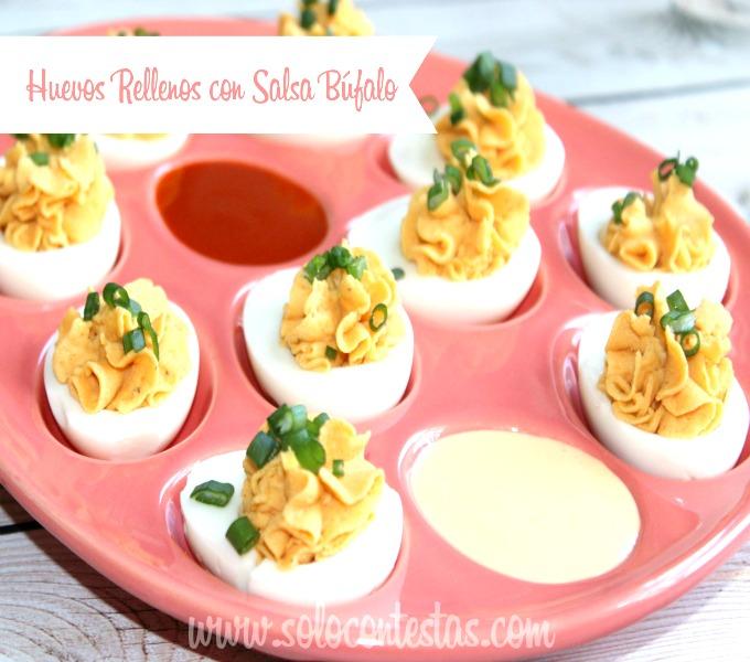 Huevos Rellenos con Salsa Búfalo